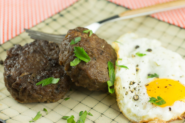 Liver Sausage and Eggs-3